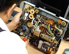 映写機修理のイメージ